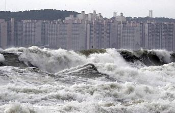 Lingling Tayfunu Kore Yarımadası'nı vurdu