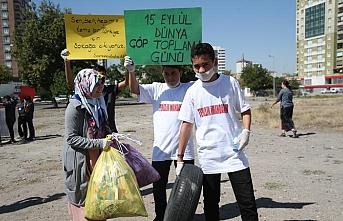 Öğrenciler çöp topladı