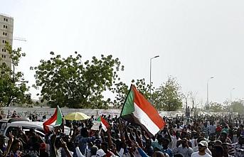 Sudan gösterilerinde hayatını kaybedenler için kısas istendi