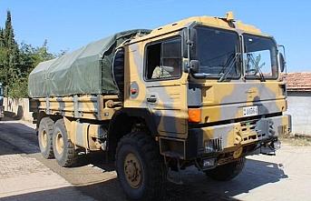 Suriye sınırına iş makinesi ve konteyner sevkiyatı yapıldı