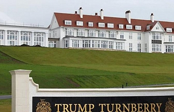 Trump ticaretten vazgeçemiyor, hem başkan hem tüccar..Askeri personeli kendi otelinde misafir etti, ortalık karıştı