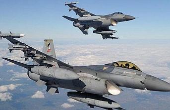 TSK'nın iki F-16'sı  Suriye hava sahasında uçtu