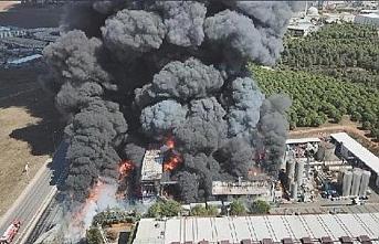 Tuzla'da fabrika yangını kontrol altına alındı