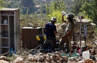 Yahudi yerleşimciler, Batı Şeria'da Filistinlilerin arazisine el koydu