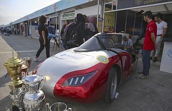 Yerli ve milli otomobiller TEKNOFEST'te görücüye çıktı