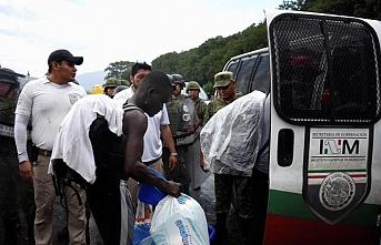 ABD'ye giden yüzlerce göçmen konvoyu durduruldu
