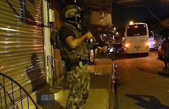 Adana'da silahlı organize suç örgütüne operasyon: 74 gözaltı