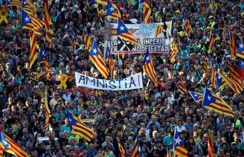 Ayrılıkçı Katalanlardan Barselona'da gösteri