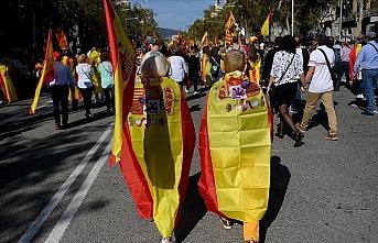 Barselona'da bu kez bağımsızlık karşıtları gösteri yaptı