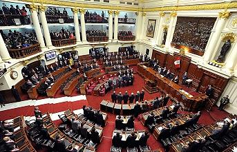 Devlet Başkanı Parlamento'yu, Parlamento Devlet Başkanı'nı feshetti
