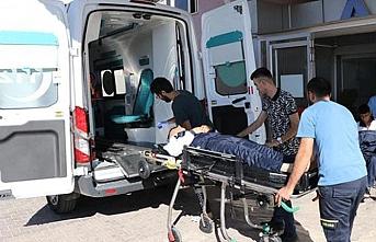 Gaziantep'te askeri araç devrildi: 2 asker yaralı