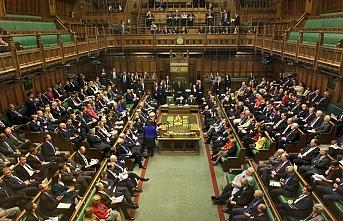 İngiltere'de parlamento çalışmaları askıya alındı