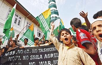 Keşmir'de 13 bin çocuk tutuklandı