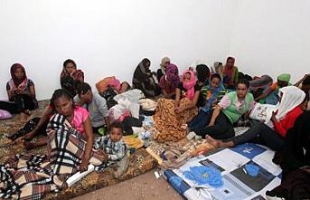Libya açıklarında 90 düzensiz göçmen kurtarıldı