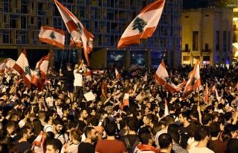 Lübnan'da ordu ile göstericiler arasında gerginlik