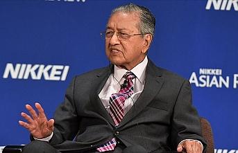Mahathir Hindistan'a yönelik 'Keşmir' eleştirilerini savundu