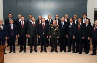 Milli Savunma Bakanı Akar'a 'destek' ziyareti