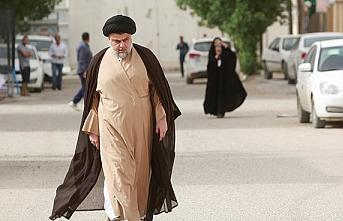 Mukteda es-Sadr gösterilerde boy gösterdi