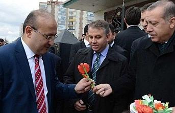 Yalçın Akdoğan yeniden danışman