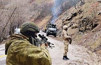 200 PKK'lı kıstırıldı: SİHA'lar bombalıyor