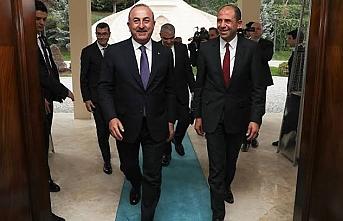 Çavuşoğlu KKTC'li mevkidaşı ile bir araya geldi
