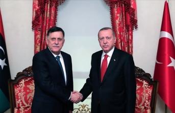 Erdoğan ile Fayez Al Sarraj tarihi imzayı attı