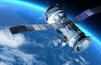 Hindistan yörüngeye 14 uydu fırlattı