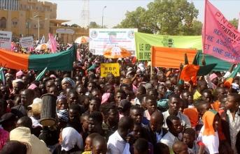 Nijer, Fransa referanslı ulusal marşını değiştiriyor