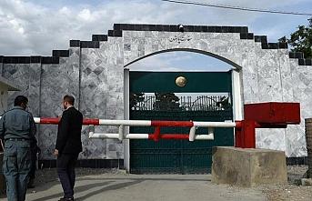 Pakistan güvenlik endişesiyle konsolosluk hizmetlerini durdurdu