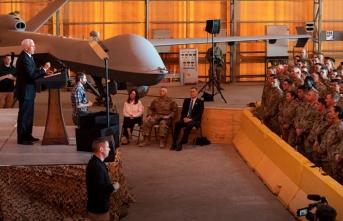 Pence, Aynu'l Esed Üssü'ndeki ABD'li askerleri ziyaret etti
