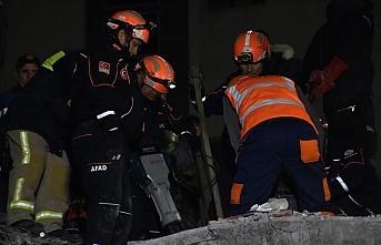 Türkiye'den Arnavutluk'a gelen ekipler çalışmalara başladı