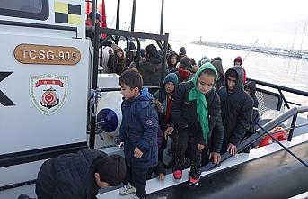 Ayvacık'ta 98 göçmen yakalandı