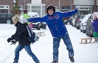 Bazı ilçelerde okullara kar tatili