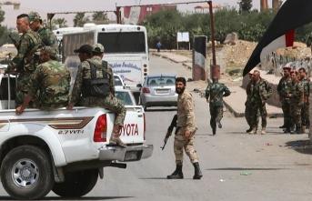 Esed rejimi ve Rusya Suriye'deki kamplara 79 kez saldırdı
