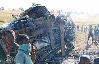 Feci kaza: İki minibüs çarpıştı: Onlarca ölü var