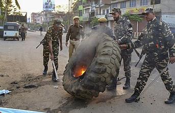 Hindistan'da vatandaşlık yasası protestosu.. Esnaf kepenk kapattı