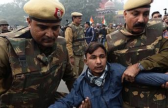 Hindistan'da vatandaşlık yasasına karşı protestolar sürüyor