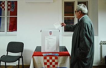 Hırvatistan'da halk cumhurbaşkanlığı seçimi için sandık başına gitti