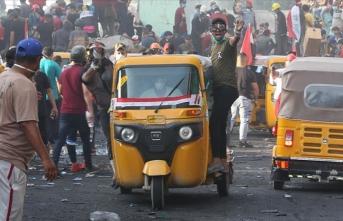 Irak'ta göstericilere yönelik saldırılarda 2 kişi öldü