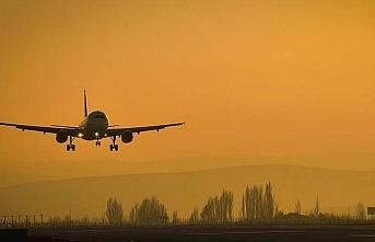 Kamerun'da yolcu uçağına silahlı saldırı