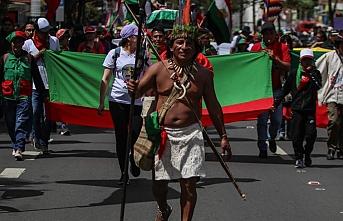 Kolombiyalı yerlilerden hükümete tehdit: Başkente yürürüz