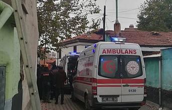 Konya'da aile faciası.. Ev üzerlerine çöktü.. 2'si çocuk 3 kişi öldü
