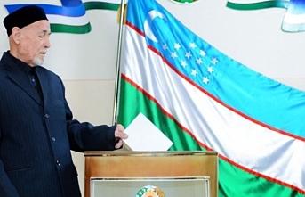Özbekistan'da genel seçim için oy kullanılıyor