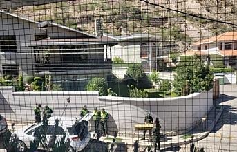Silah taşıdığı iddia dilen İspanyol heyet iki ülkeyi gerdi