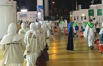 Umre'ye giden 14 Özbek Suudi Arabistan'dan sınır dışı edildi