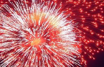Yılbaşı kutlamalarında havai fişek kullanımı yasaklandı.. Üreten, satan terörden yargılanacak