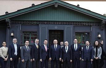 Çavuşoğlu, Davos'ta kurulan Türk Evi'ni ziyaret etti