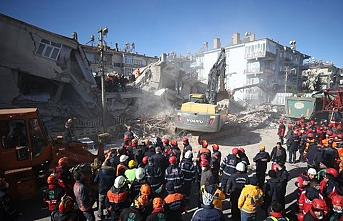 Elazığ'da hasar gören okulların yıkımı başladı