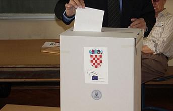 Hırvatistan'da cumhurbaşkanlığı seçiminin ikinci turunda oy verme işlemi başladı