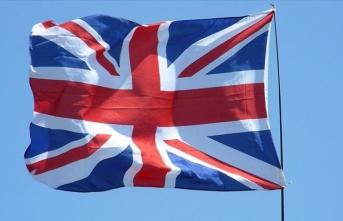 İngiltere, Tahran ve Bağdat büyükelçiliklerindeki personel sayısını en aza indirdi